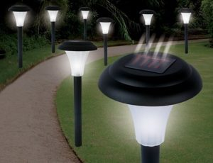 Solar powered path light con energía solar